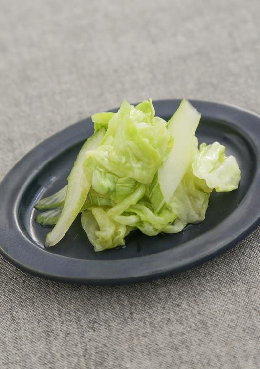キャベツとセロリのサラダ