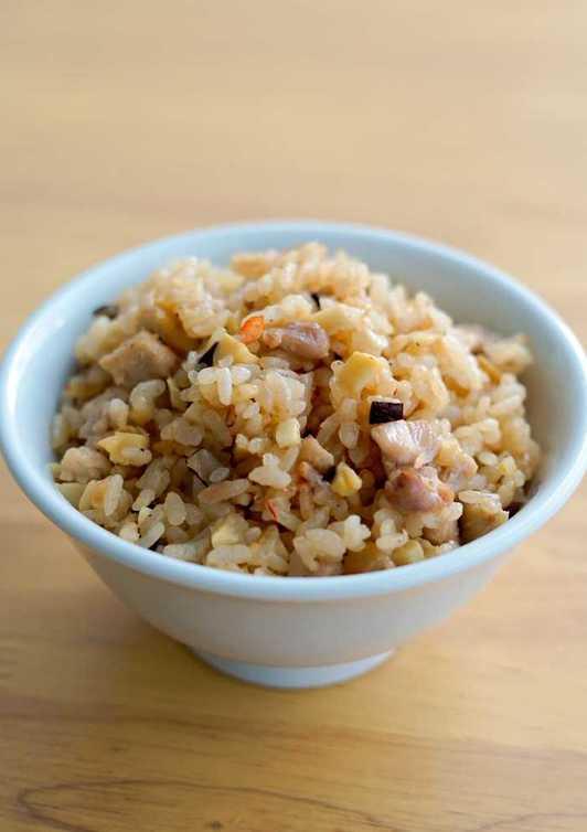 炊飯器で簡単 中華風炊き込みご飯