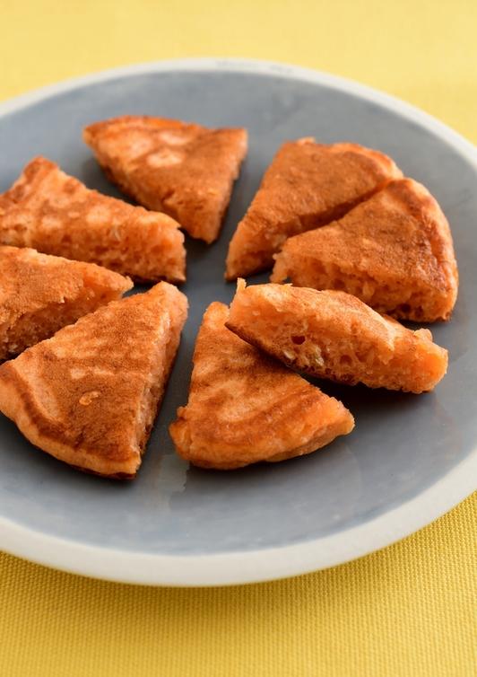 【離乳食・完了期】オートミールとトマトのパンケーキ