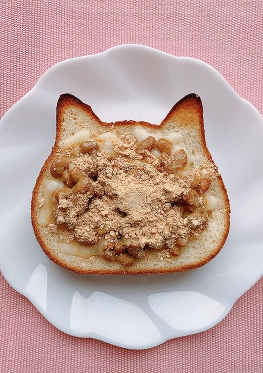 納豆ときな粉のチーズトースト