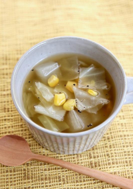キャベツと大根のコンソメスープ