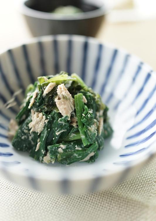 ほうれん草とわかめとツナの健康サラダ