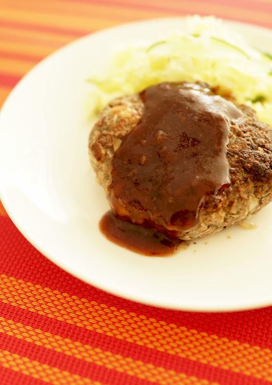 ちょっと贅沢に 薄切り牛肉でハンバーグ
