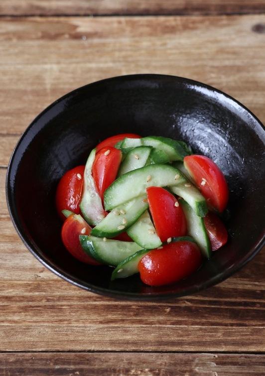 ごま油風味 きゅうりとトマトのナムル風