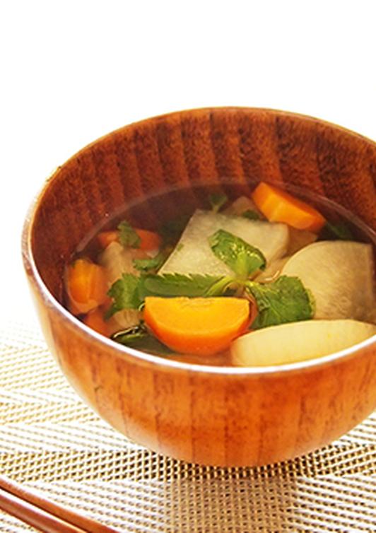 簡単 柚子胡椒が香る大根のすまし汁