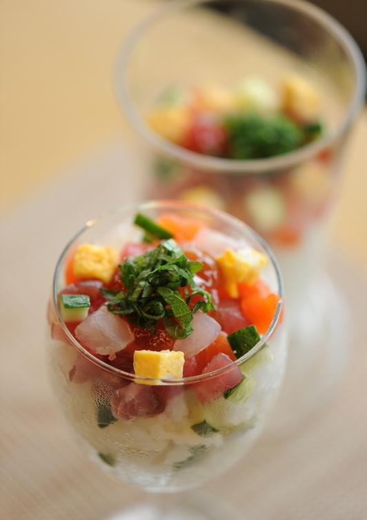 超簡単スプーンで食べるカップ寿司