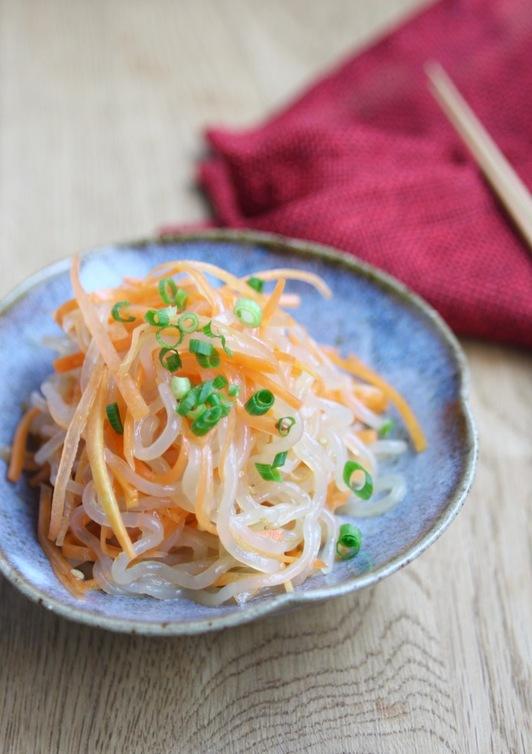 ダイエットに しらたきと人参の中華サラダ