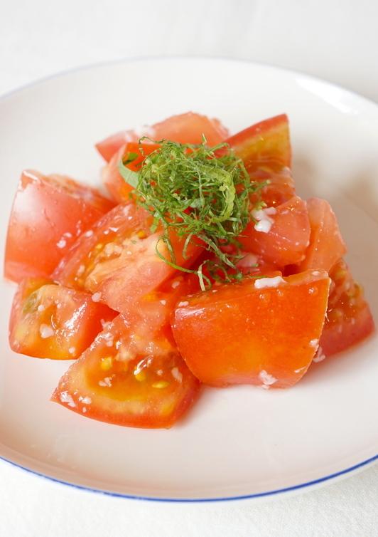 簡単トマトの塩麹サラダ