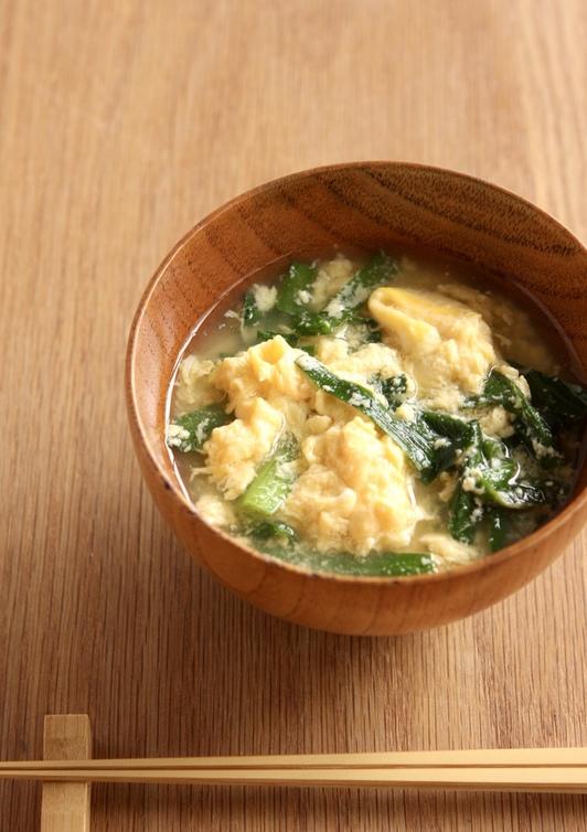 にらと溶き卵の味噌汁