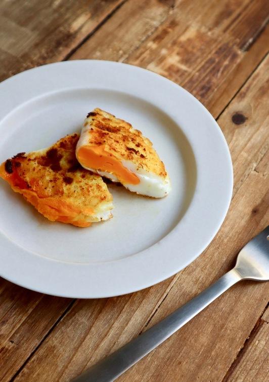 お弁当や朝のお供に 半月卵のカレー焼き