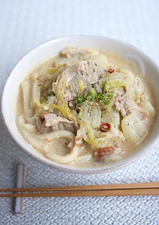 ランチ 豚肉と白菜で豆乳ピリ辛味噌うどん