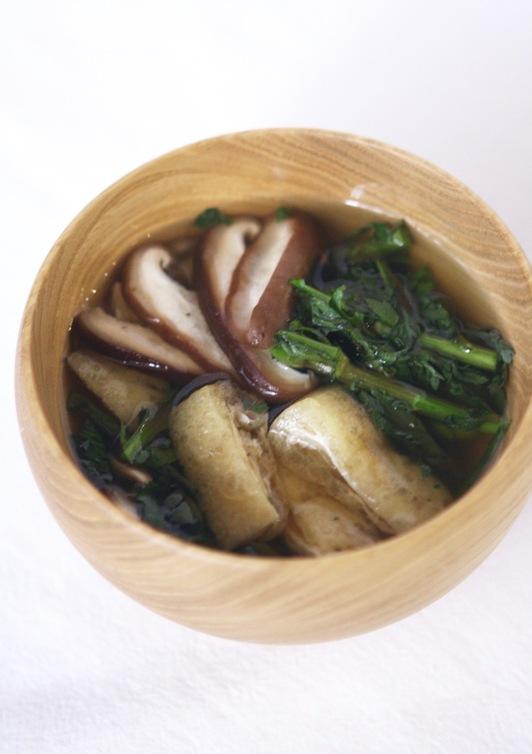 春菊・油揚げ・椎茸のすまし汁