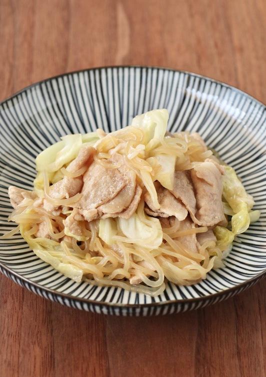 豚肉とキャベツとしらたきの炒め物