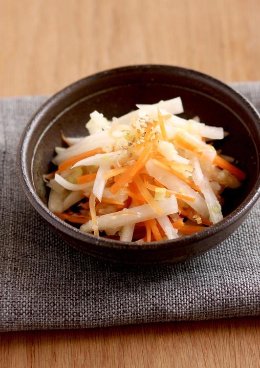 レンジで簡単ねぎ塩ダレ 大根と人参サラダ