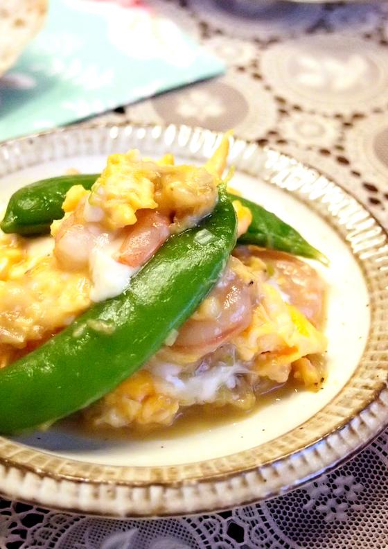 えびとスナップエンドウの卵炒め