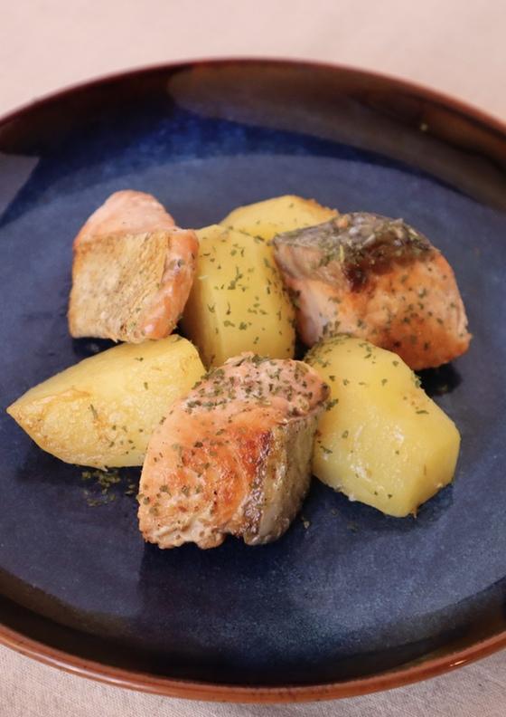 鮭とじゃがいもの塩バター