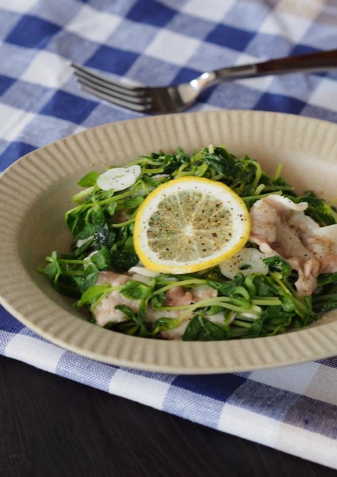 レンジで簡単 豚肉と豆苗のレモン蒸し