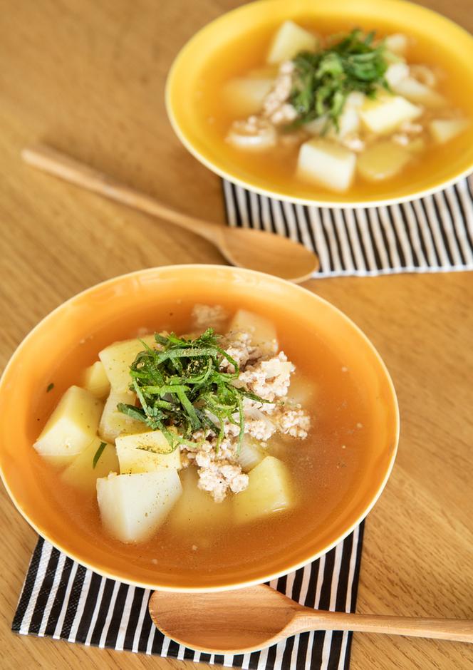 鶏ひき肉とじゃがいもの山椒スープ