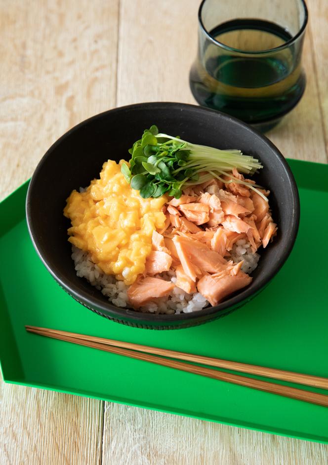 甘塩鮭の三色丼