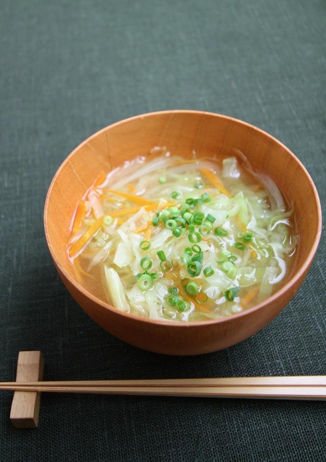たっぷり野菜の味噌汁