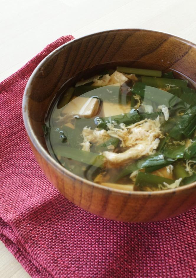 豆腐入り ニラの卵とじ味噌汁