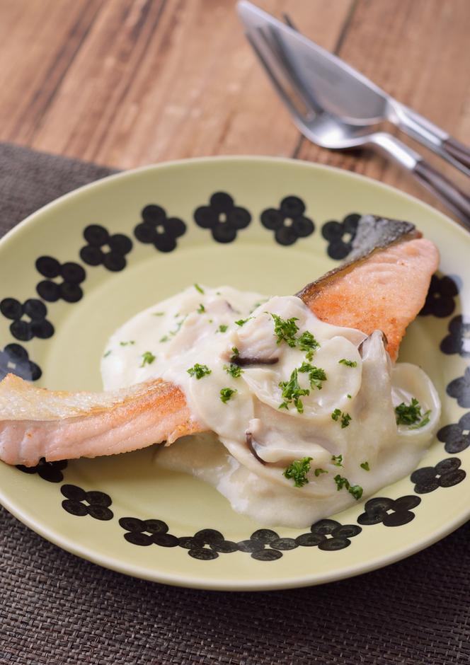 秋鮭の豆乳チーズソース