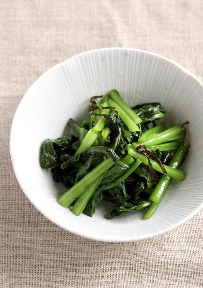 塩昆布とごま油と小松菜のおひたし