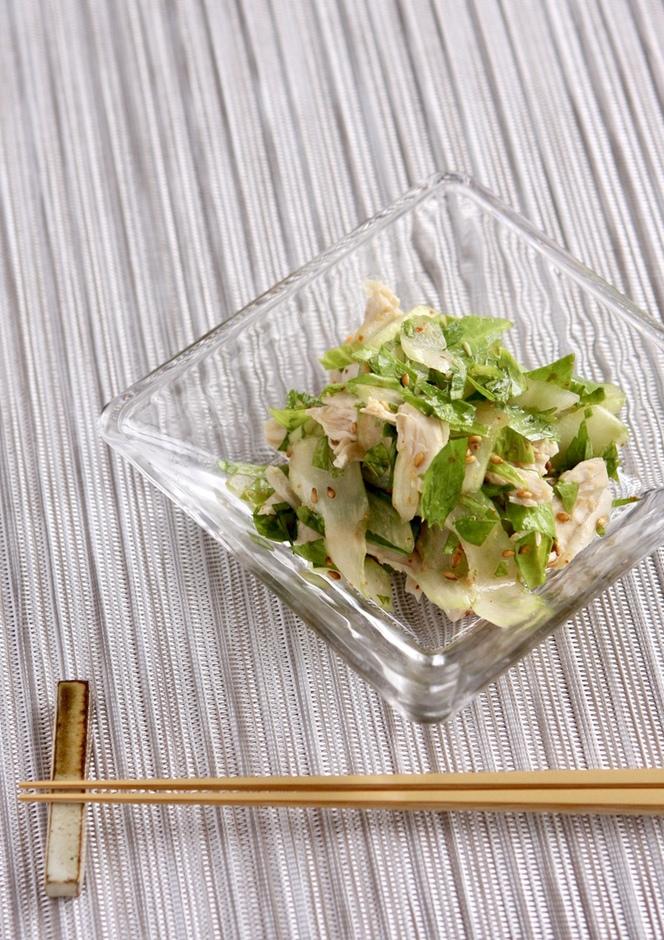 和洋中にも セロリとささ身のピリ辛サラダ