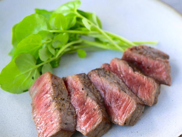 牛肉のステーキ