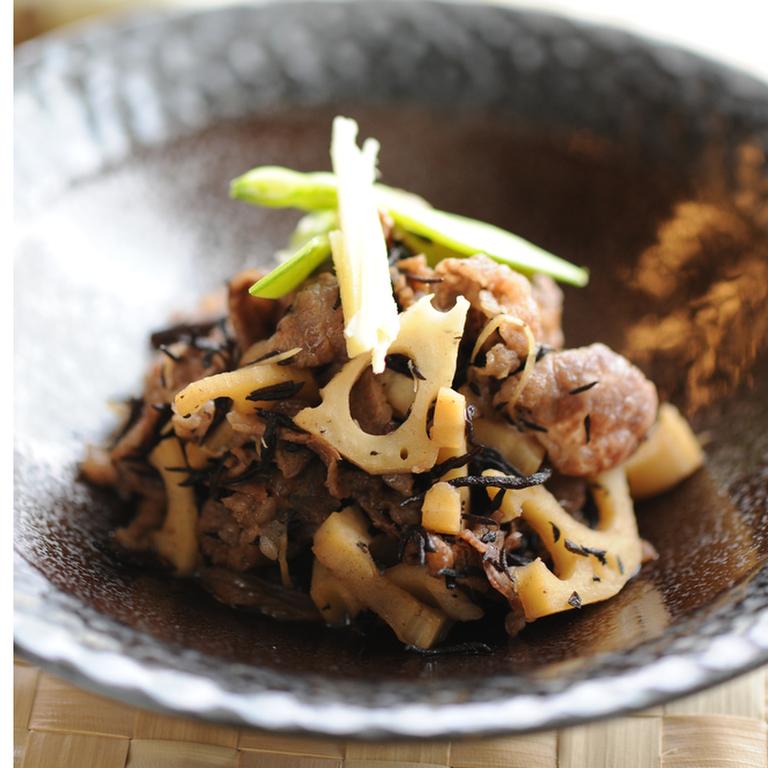 牛肉とひじきの煮物