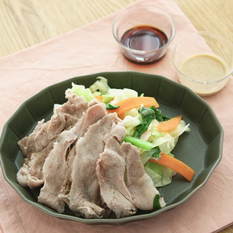 豚肉とカット野菜のかんたんレンジ蒸し