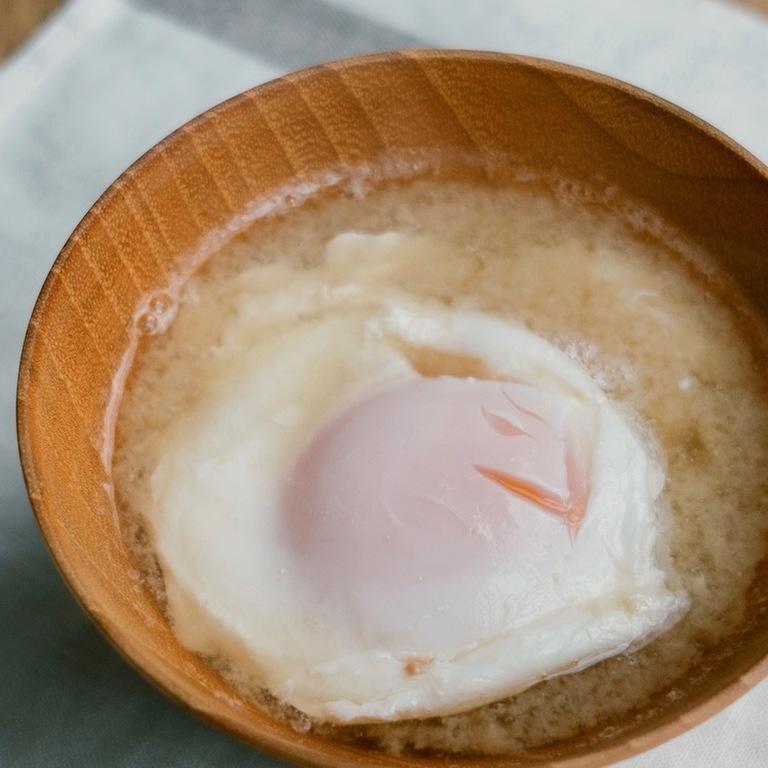 落とし卵のみそ汁