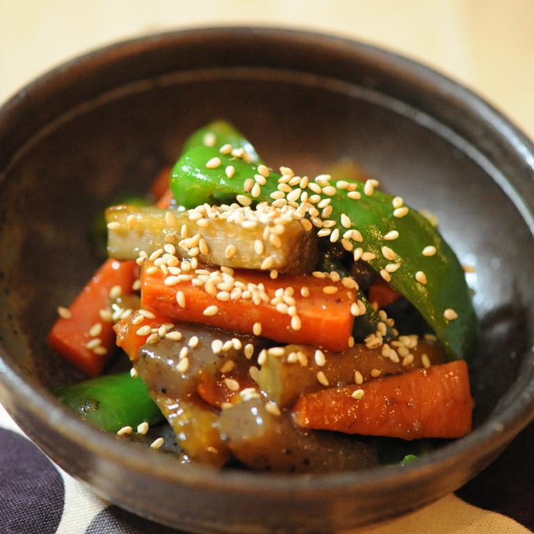 根菜とこんにゃくの照り炒め