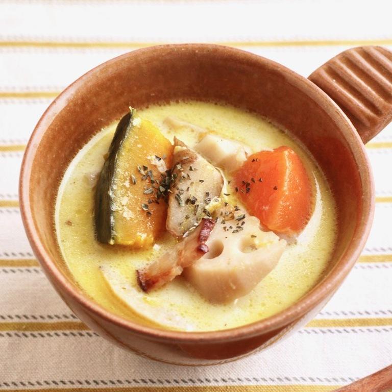 体ポカポカ 根菜の豆乳みそスープ