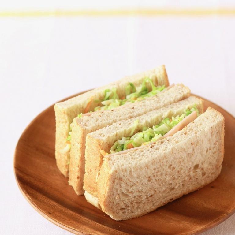 春キャベツ コールスローのサンドイッチ