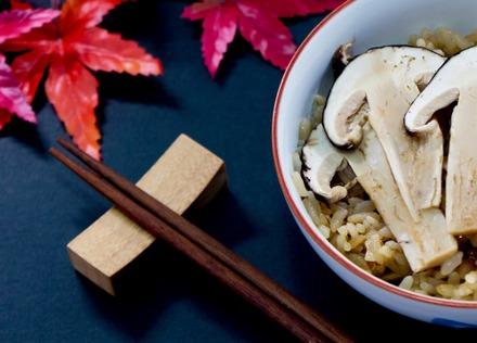 秋の味覚を満喫する、炊き込みご飯