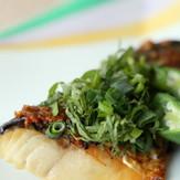 鯖のゴマ味噌風味焼き香味野菜のっけ