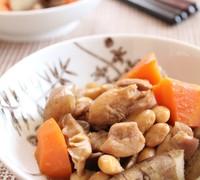 水煮大豆と鶏肉と野菜の煮物