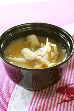 もやしと舞茸の味噌汁