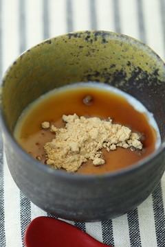 お豆腐のなめらかムース 黒みつきな粉で