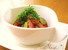 トマトとキュウリの青じそ 胡麻サラダ