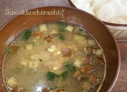 簡単☆栄養豊富モロヘイヤとナスのお味噌汁