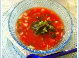 サラダ感覚 具だくさん冷たいトマトスープ