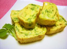 お弁当にも 豆苗とチーズの卵焼き