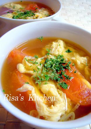 トマトと玉子のすっぱいスープ