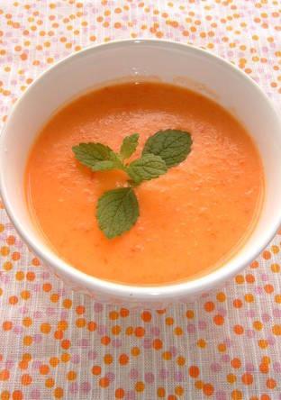 赤パプリカの冷製スープ