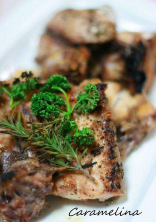 魚のアラのハーブ塩味 グリル焼き