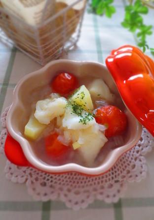 たらとじゃがいもとトマトのスープ