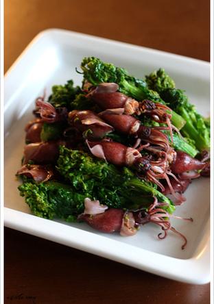 ホタルイカと菜の花のガーリック炒め