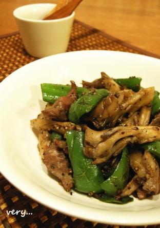 低カロ 砂肝と舞茸 ピーマンの黒胡椒炒め